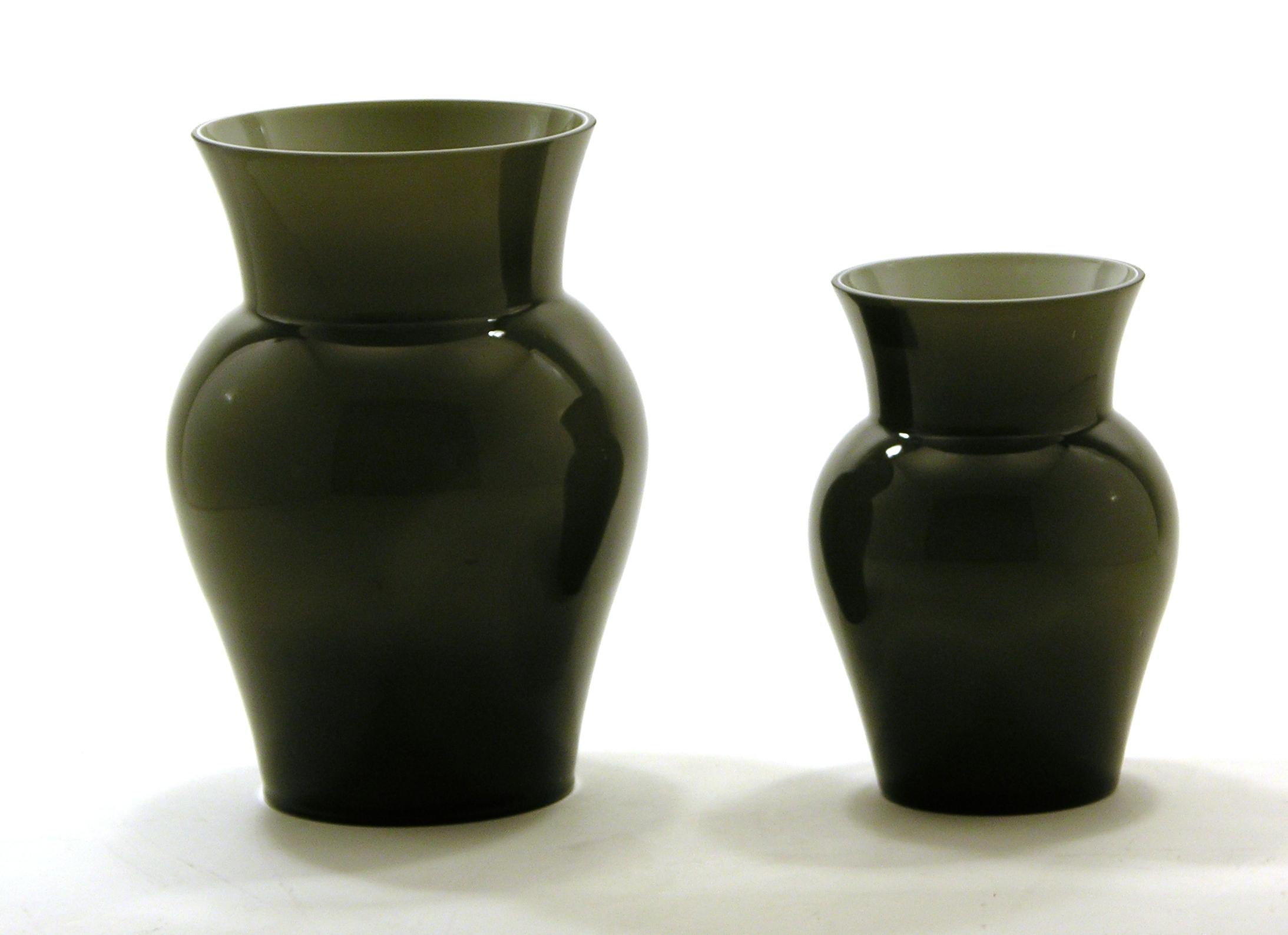 vases flower vase viola klein grau. Black Bedroom Furniture Sets. Home Design Ideas